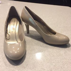 Beige/Taupe comfort plus high heels